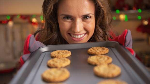 shutterstock_161686043_baking_woman_620px